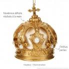 Couronne impériale dorée : détail des finitions