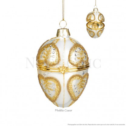 Œuf décoré en verre façon bijou : modèle coeur