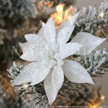 Fleur de Noël blanche pailletée