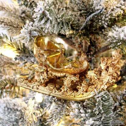 Traineau du Père Noël, doré style rocaille